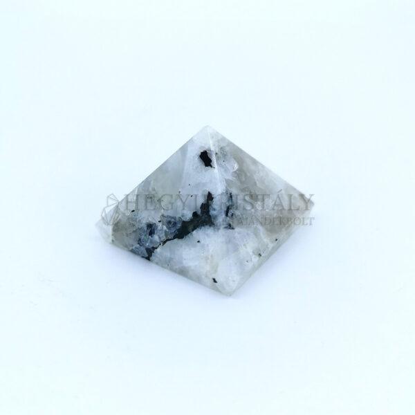 Holdkő piramis