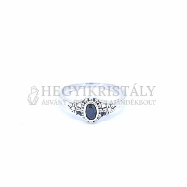 Spinell ezüst gyűrű